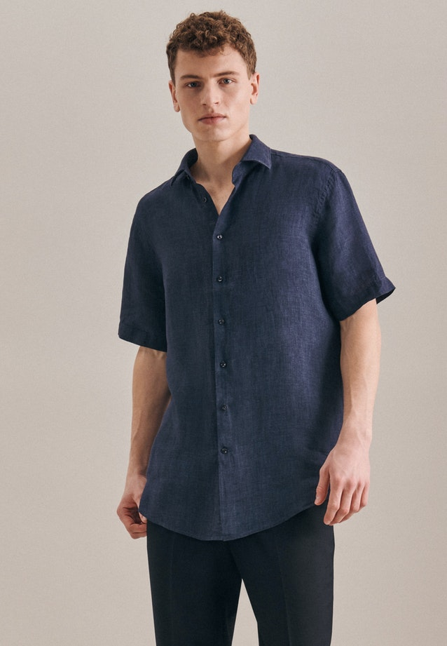 Easy-iron Leinen Short sleeve Business Shirt in Regular with Kent-Collar in Dark blue |  Seidensticker Onlineshop