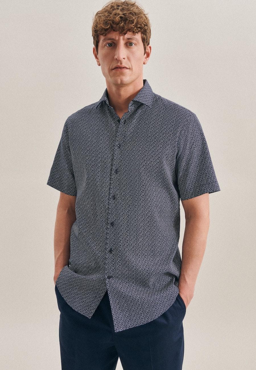 Bügelleichtes Leinen Kurzarm Business Hemd in Regular mit Kentkragen in Dunkelblau    Seidensticker Onlineshop