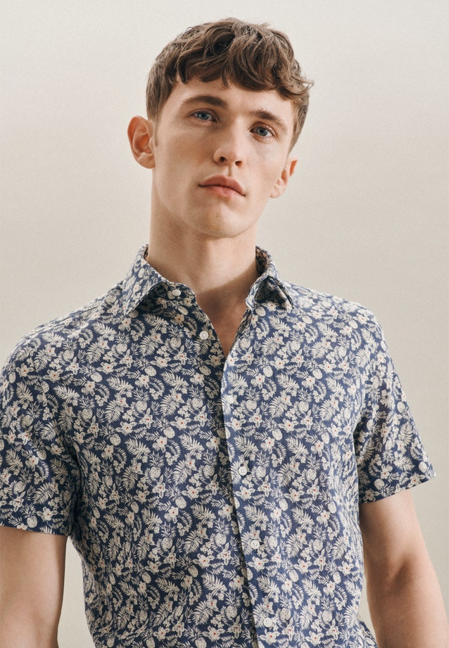 Easy-iron Leinen Short sleeve Business Shirt in Shaped with Kent-Collar in Brown |  Seidensticker Onlineshop