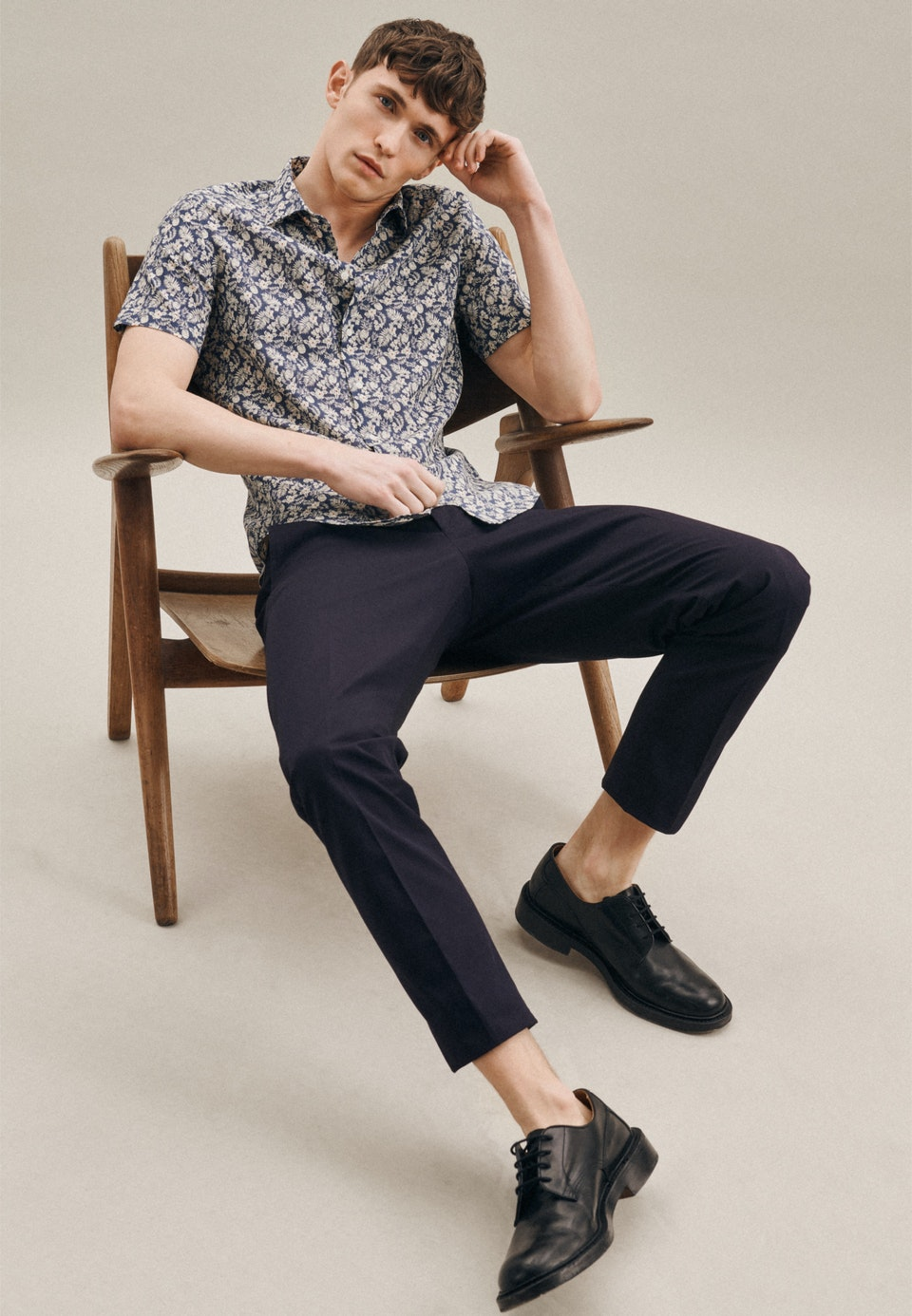 Linen Short sleeve Linen shirt in Shaped with Kent-Collar in Brown    Seidensticker Onlineshop