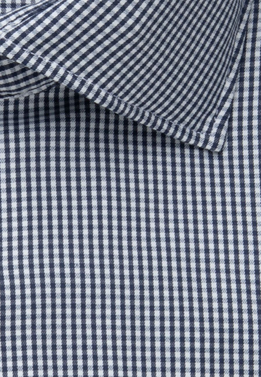 Bügelleichtes Performancehemd in Slim mit Kentkragen in Dunkelblau    Seidensticker Onlineshop