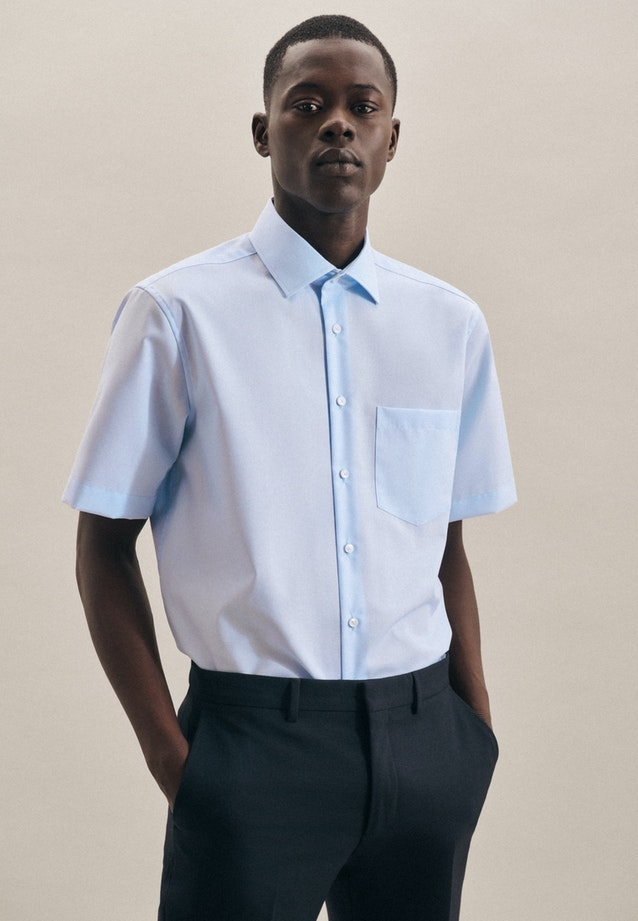 Non-iron Popeline Short sleeve Business Shirt in Regular with Kent-Collar in Medium blue |  Seidensticker Onlineshop