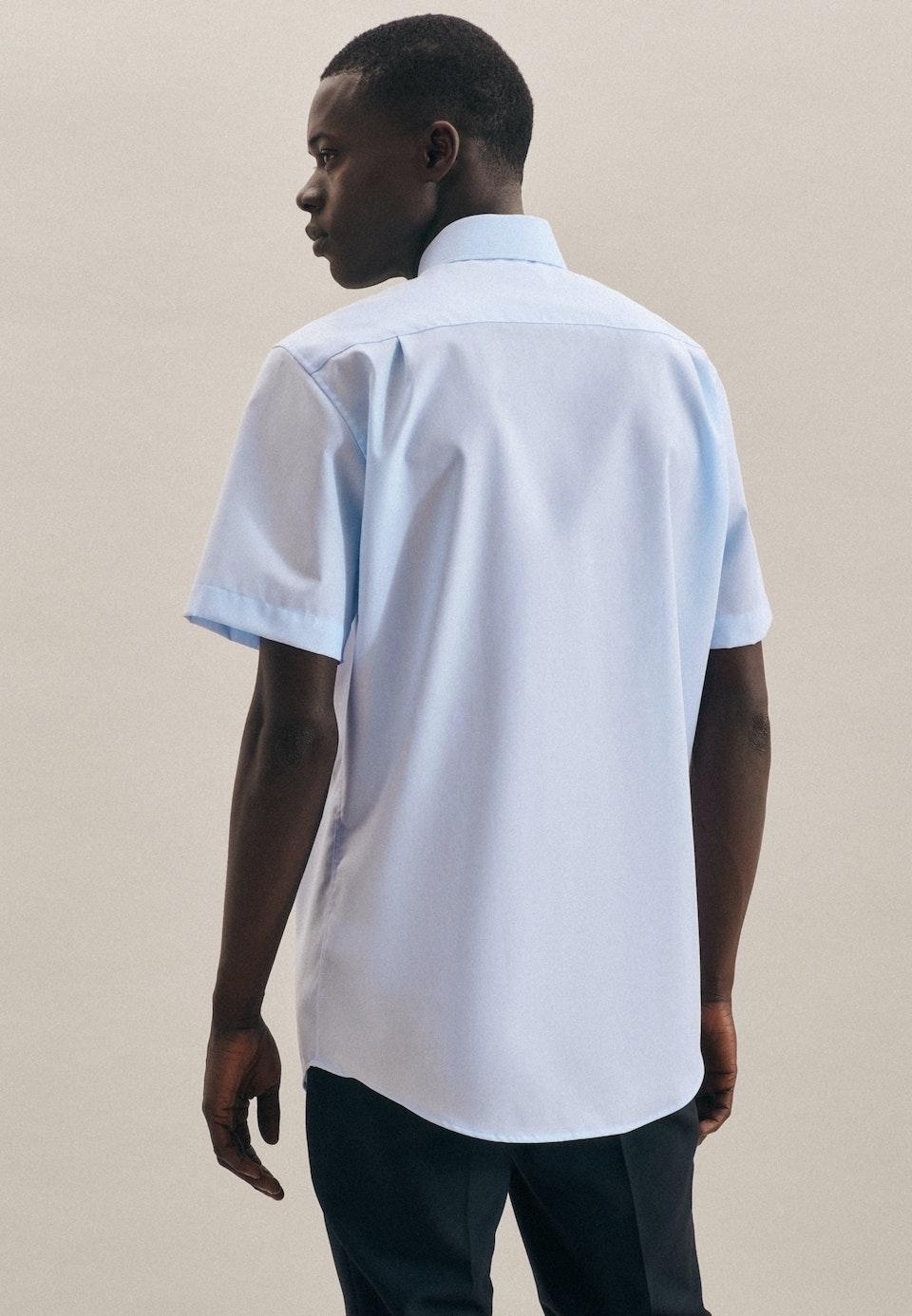 Bügelfreies Popeline Kurzarm Business Hemd in Regular mit Kentkragen in Mittelblau    Seidensticker Onlineshop