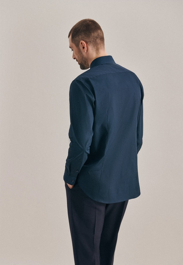 Easy-iron Popeline Business Shirt in Shaped with Kent-Collar in Dark blue |  Seidensticker Onlineshop