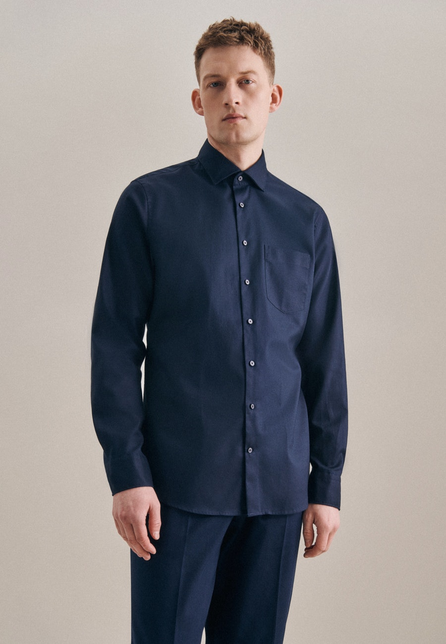Non-iron Twill Business Shirt in Shaped with Kent-Collar in Dark blue |  Seidensticker Onlineshop
