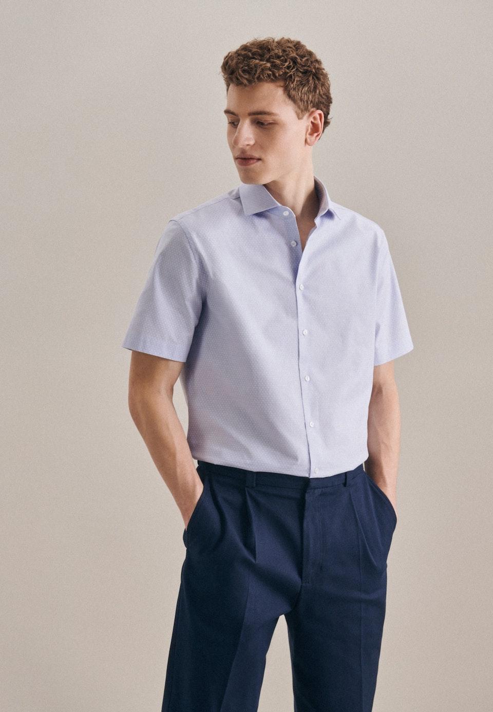 Bügelleichtes Oxford Kurzarm Business Hemd in Shaped mit Kentkragen in Hellblau |  Seidensticker Onlineshop
