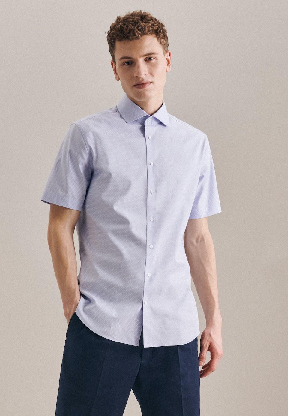 Bügelleichtes Oxford Kurzarm Business Hemd in Slim mit Kentkragen in Hellblau |  Seidensticker Onlineshop