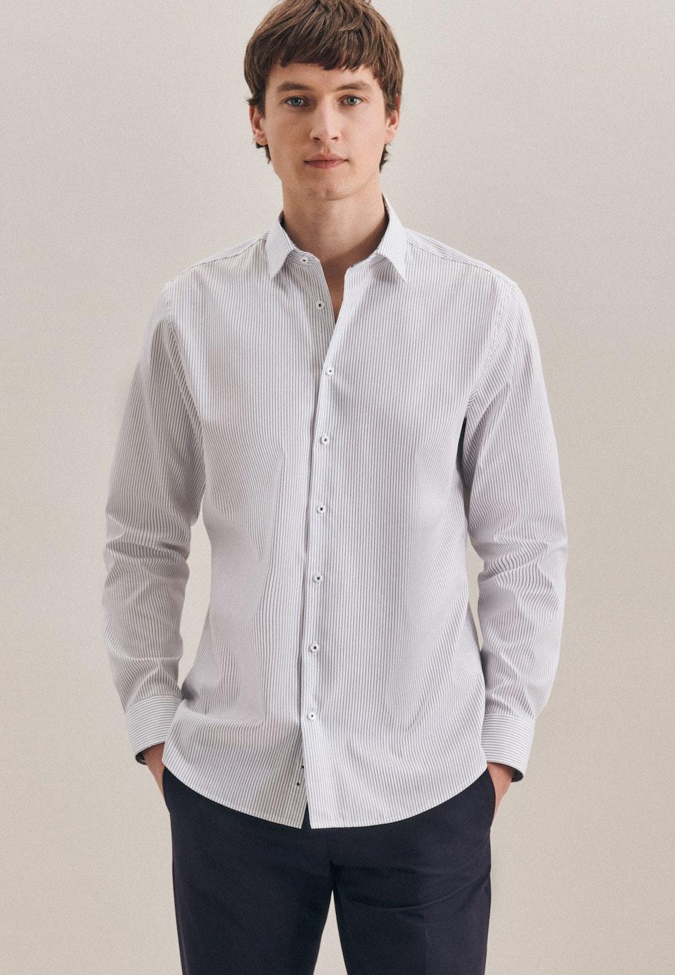 Bügelfreies Oxford Business Hemd in Shaped mit Kentkragen in Dunkelblau |  Seidensticker Onlineshop