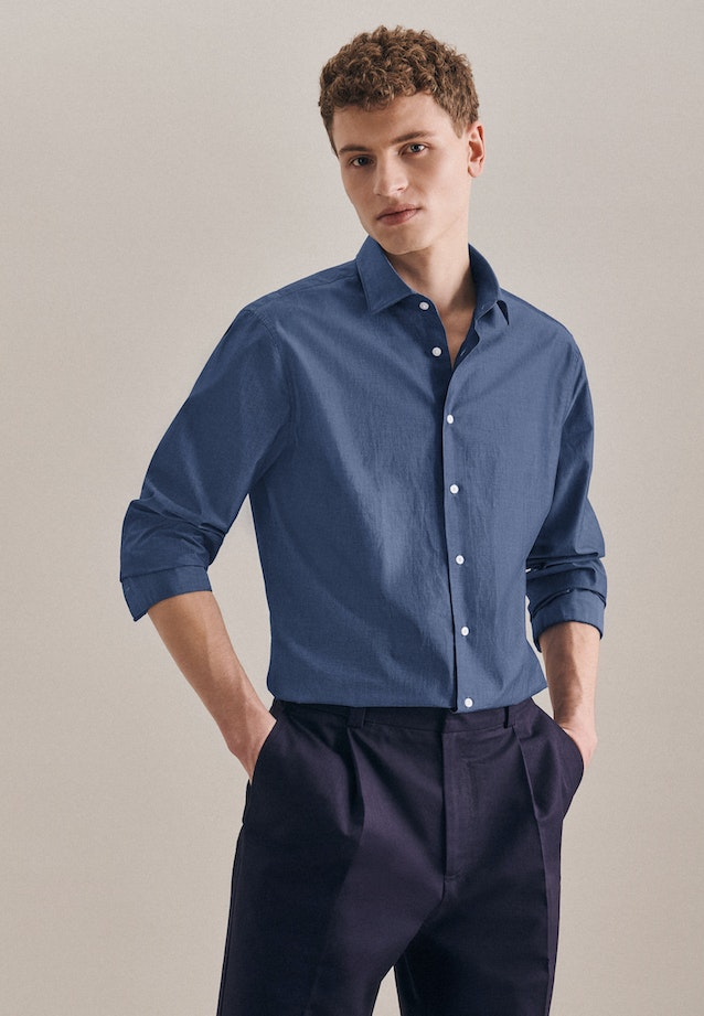 Easy-iron Chambray Business Shirt in Shaped with Kent-Collar in Medium blue |  Seidensticker Onlineshop