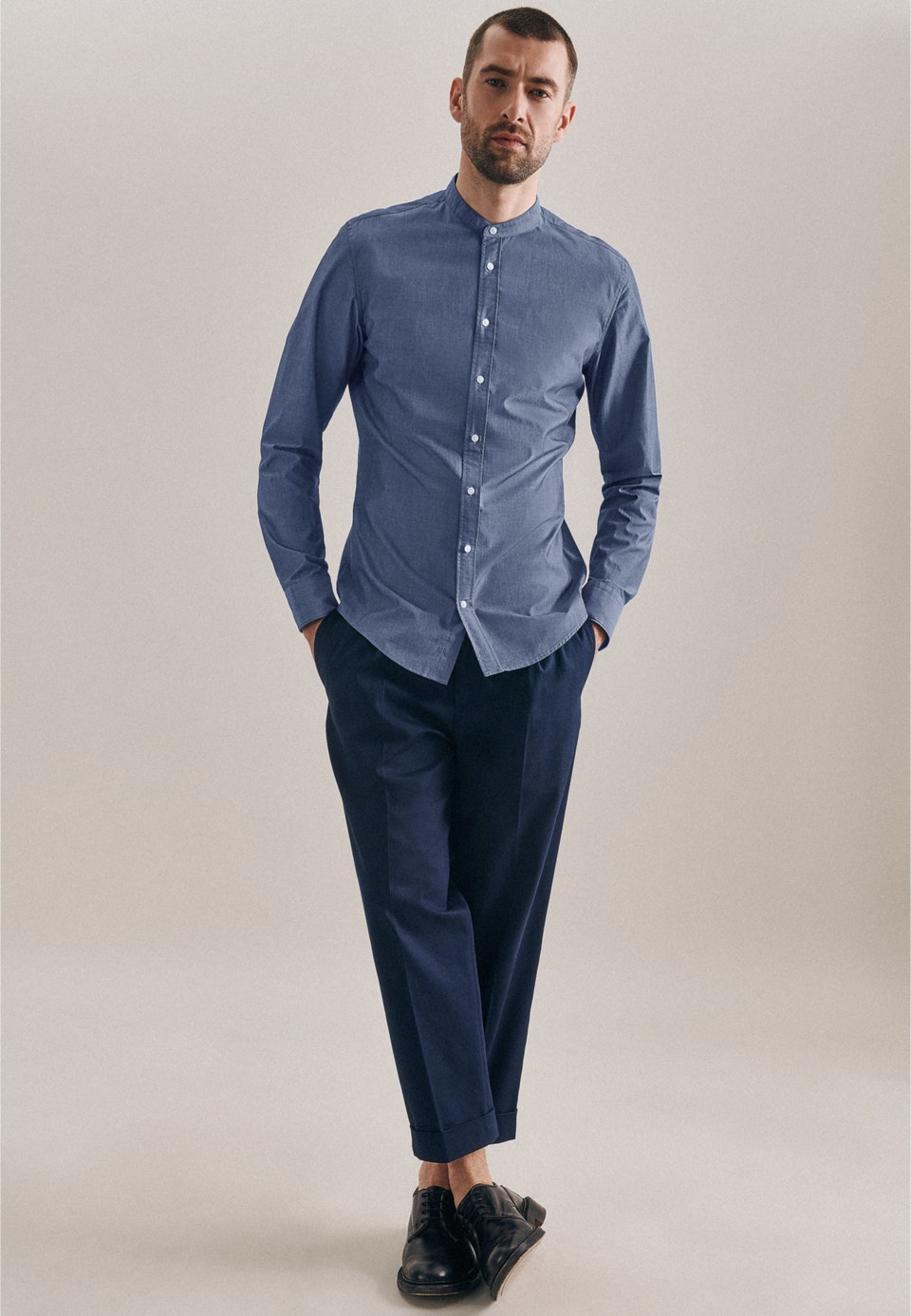 Easy-iron Chambray Business Shirt in Slim with Stand-Up Collar in Medium blue    Seidensticker Onlineshop