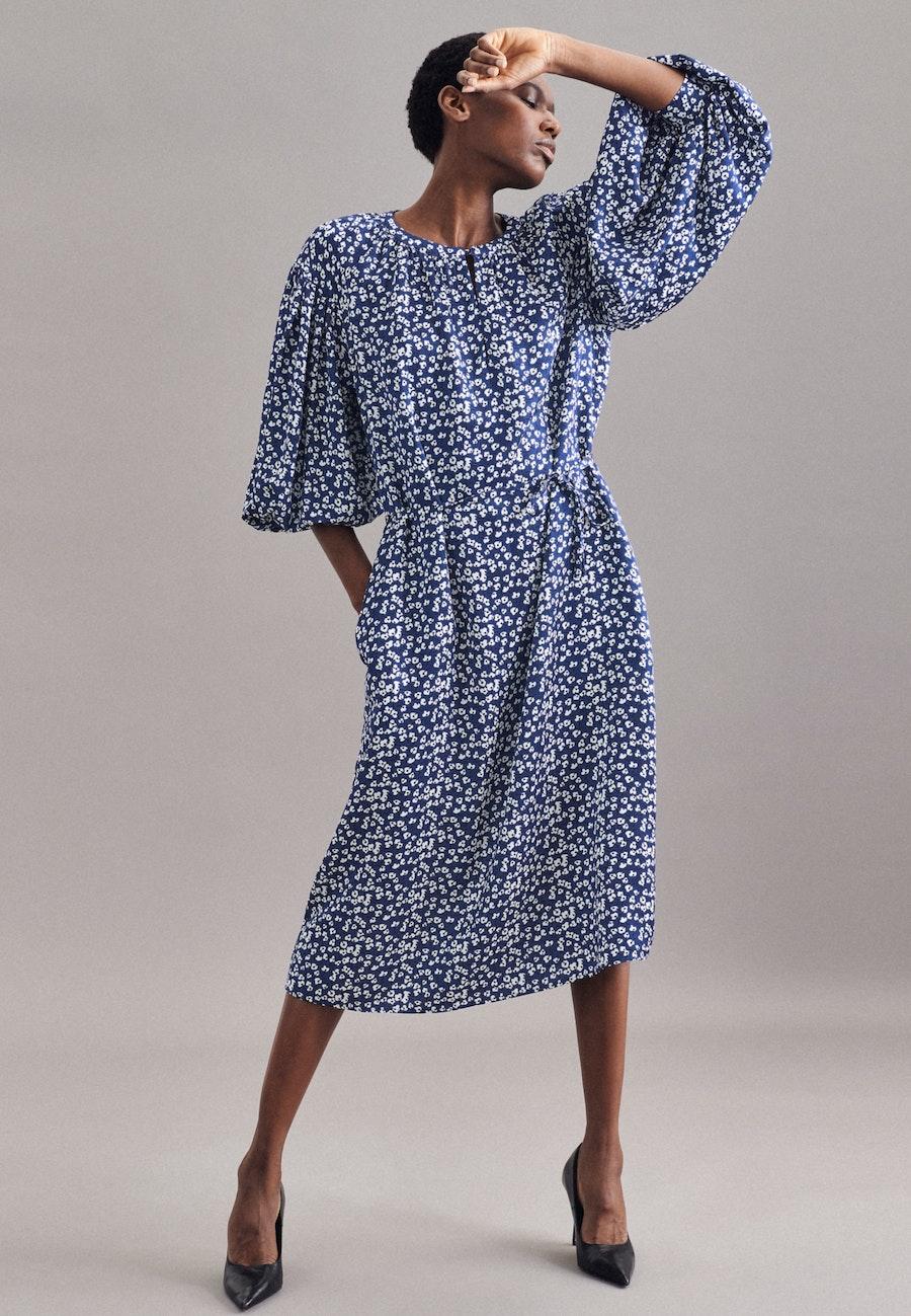 Krepp Satin Midi Kleid aus 100% Viskose in Dunkelblau    Seidensticker Onlineshop