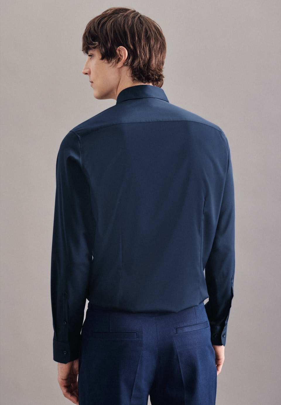 Performancehemd in Slim mit Kentkragen in Dunkelblau    Seidensticker Onlineshop