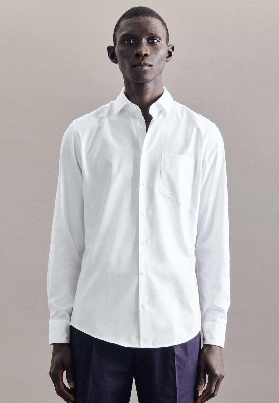 Bügelleichtes Twill Business Hemd in Slim mit Kentkragen in Weiß    Seidensticker Onlineshop
