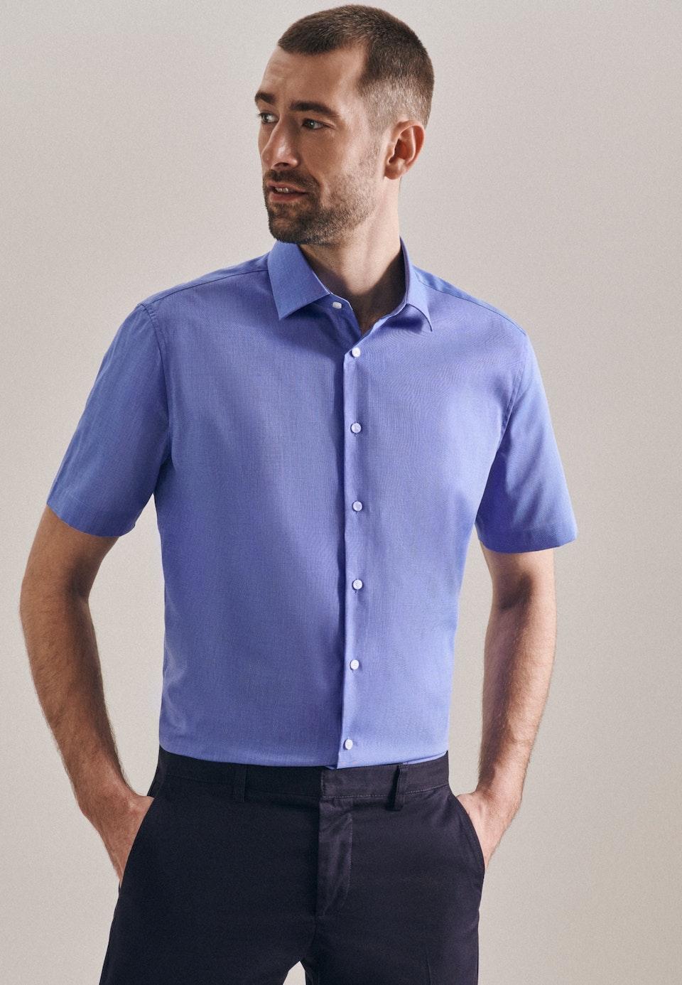 Non-iron Fil a fil Short sleeve Business Shirt in Shaped with Kent-Collar in Medium blue |  Seidensticker Onlineshop