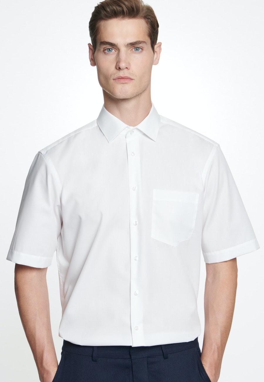 Bügelfreies Fil a fil Kurzarm Business Hemd in Regular mit Kentkragen in Weiß    Seidensticker Onlineshop