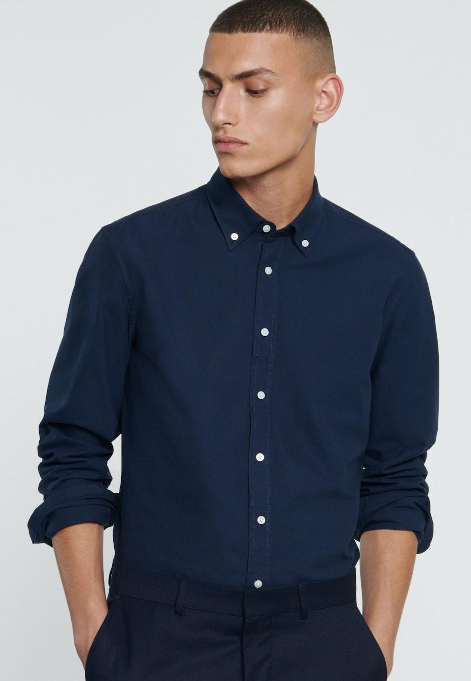 Bügelleichtes Oxford Business Hemd in Slim mit Button-Down-Kragen in Dunkelblau    Seidensticker Onlineshop