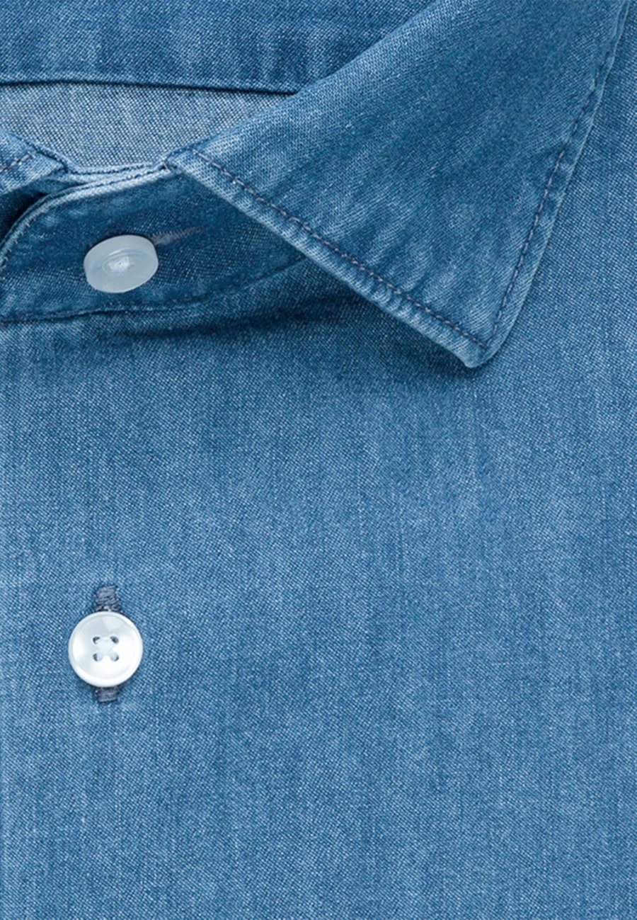 Bügelleichtes Denim Business Hemd in Slim mit Kentkragen in Mittelblau |  Seidensticker Onlineshop
