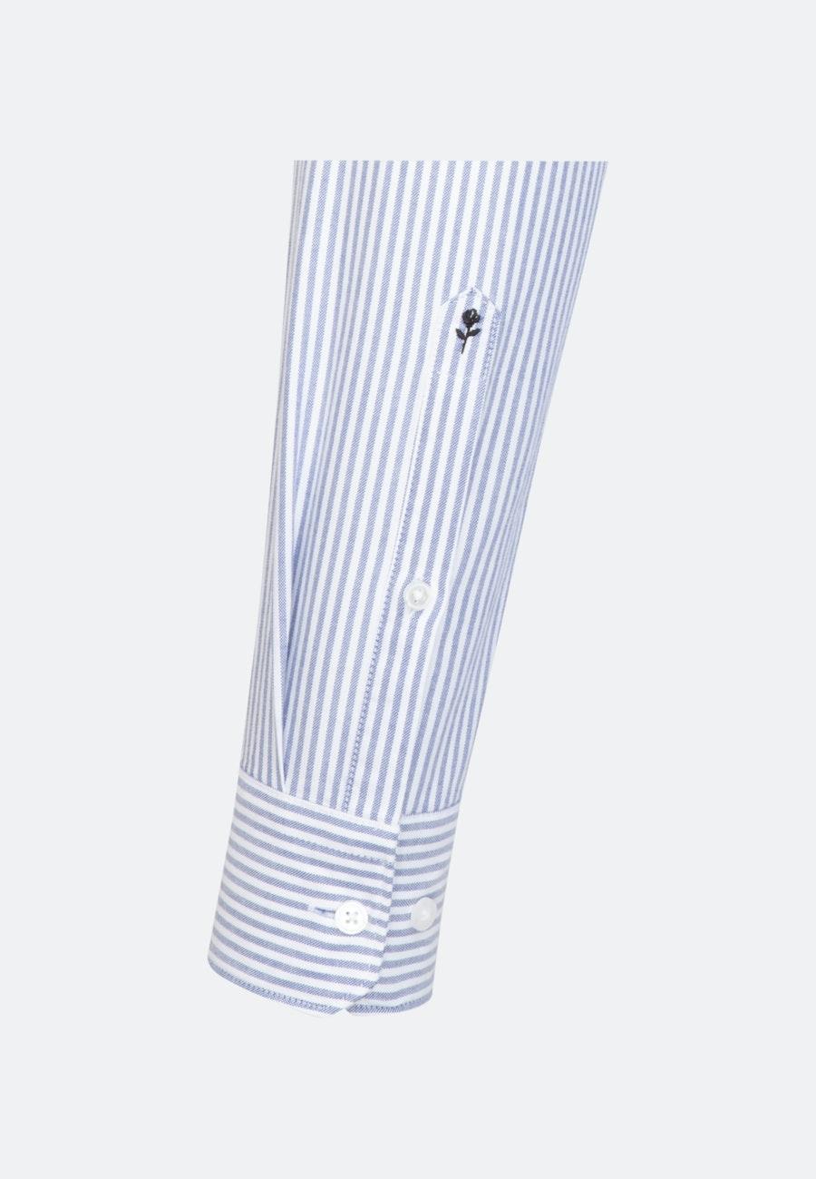 Bügelleichtes Oxford Business Hemd in Shaped mit Button-Down-Kragen in Hellblau |  Seidensticker Onlineshop
