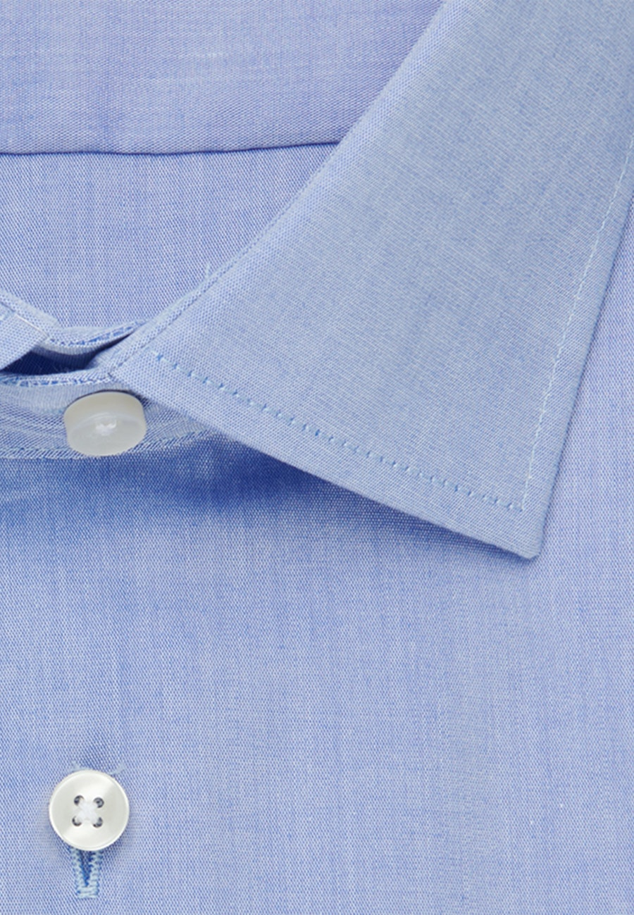 Bügelfreies Chambray Business Hemd in Shaped mit Kentkragen in Mittelblau |  Seidensticker Onlineshop